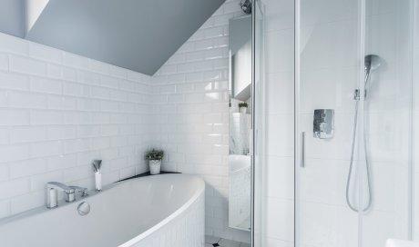 Rénovation complète de salle de bain avec douche et baignoire Montbrison